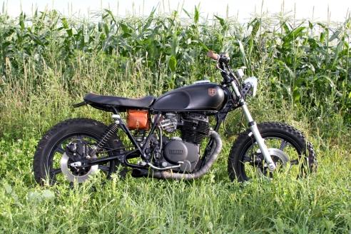 Black-Tan-Yamaha-XS400-Custom-06