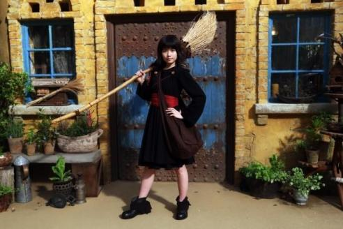 Kikis-Delivery-Service-live-action-first-look