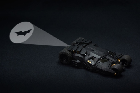bandai-crazy-case-batmobile-tumbler-1