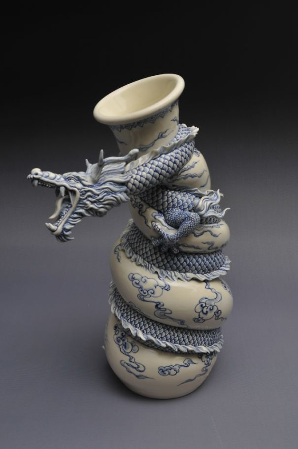 Art Beautiful Chinese Dragon Vase Ceated By Sculptor Johnson Tsang