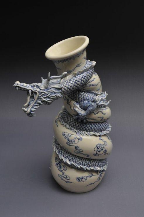 chinese-dragon-vase-painful-pot-johnson-tsang-172__605