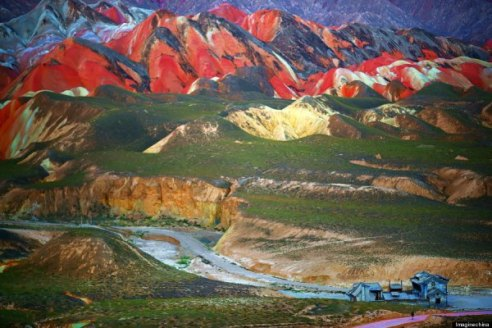 o-rainbow-mountains-900-3