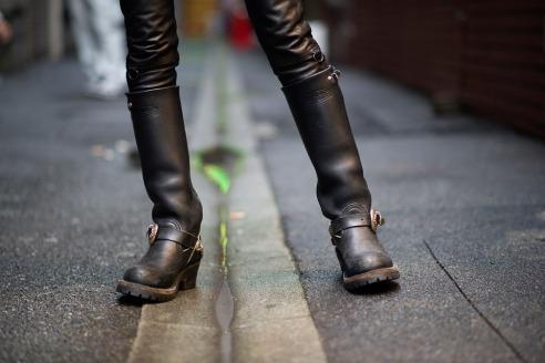 Street-Style-Eriko-Nakao-Carhartt-Chrome-Hearts-01
