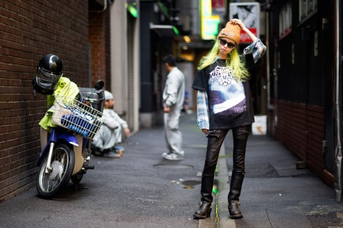 Street-Style-Eriko-Nakao-Carhartt-Chrome-Hearts-06