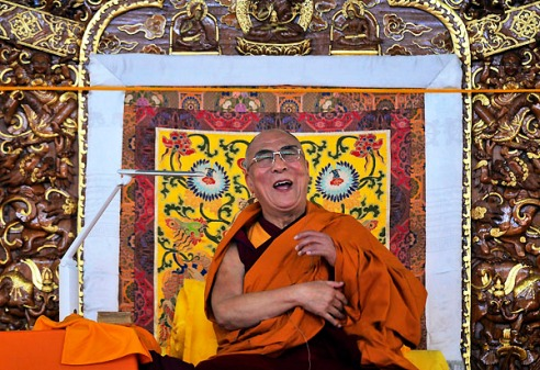 Picture of the Day: Dalai Lama delivers a lesson with laughter