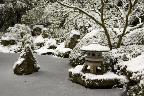 portlands-japanese-gardens-frozen-in-winter